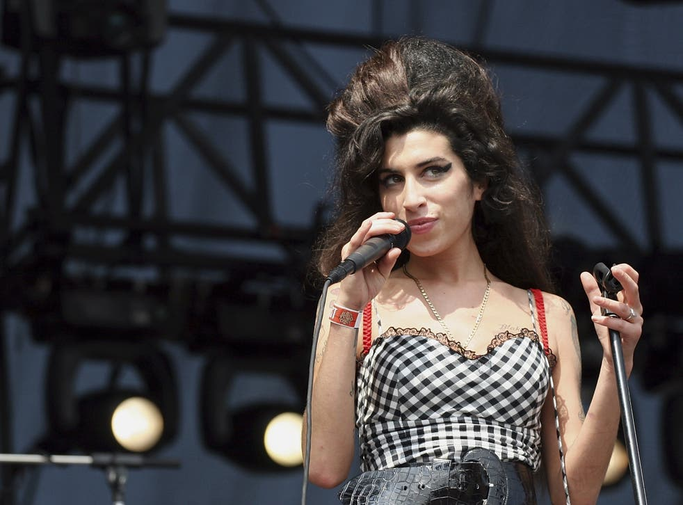 Amy Winehouse at Lollapalooza in 2007