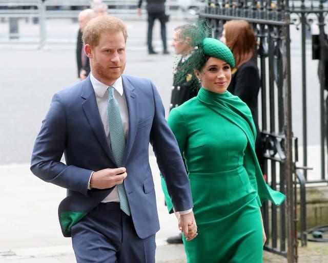 """<p> La familia real ha sido acusada de practicar un """"doble rasero"""" en su investigación de las acusaciones de intimidación contra la duquesa de Sussex  </p>"""