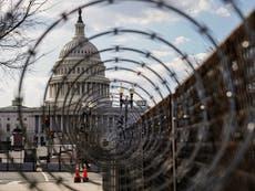 Empleado del departamento de estado de Trump es arrestado por cargos de disturbios en el Capitolio