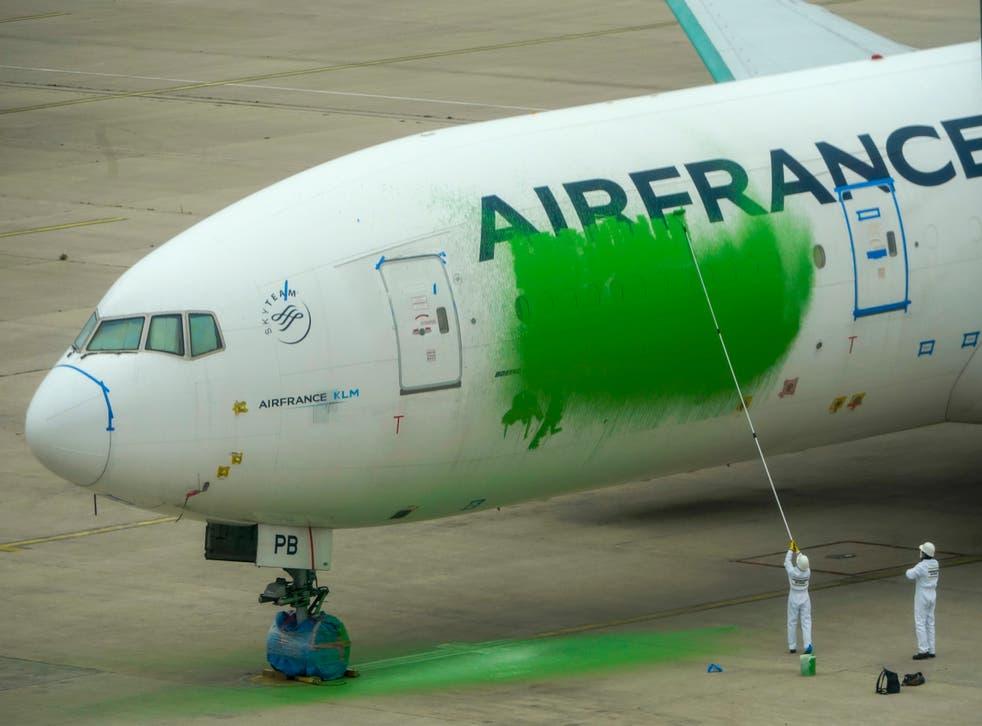 France Greenpeace Stunt
