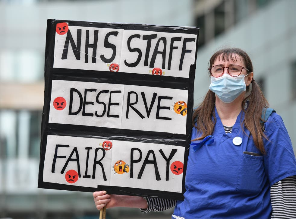 <p>More pay for nurses is only one of the problems facing the government over the NHS</p>