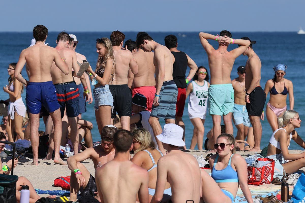Spring Breakers pack into Florida beach towns despite pandemic - independent