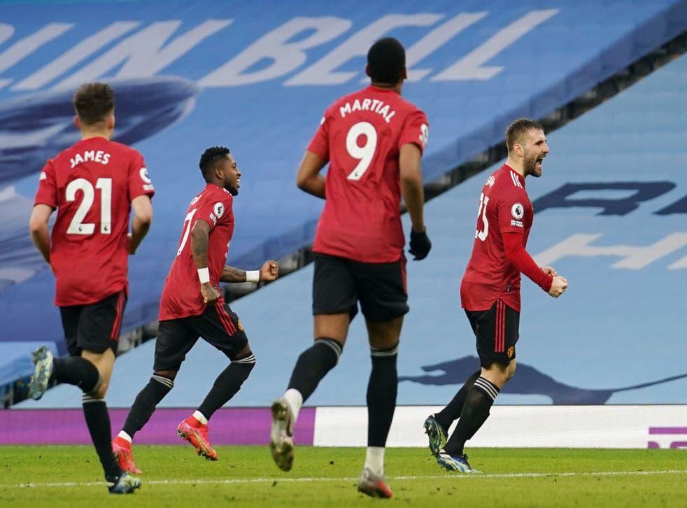 Manchester United vence al City y acaba con su racha de triunfos, recorta la diferencia en la tabla a 11 puntos.