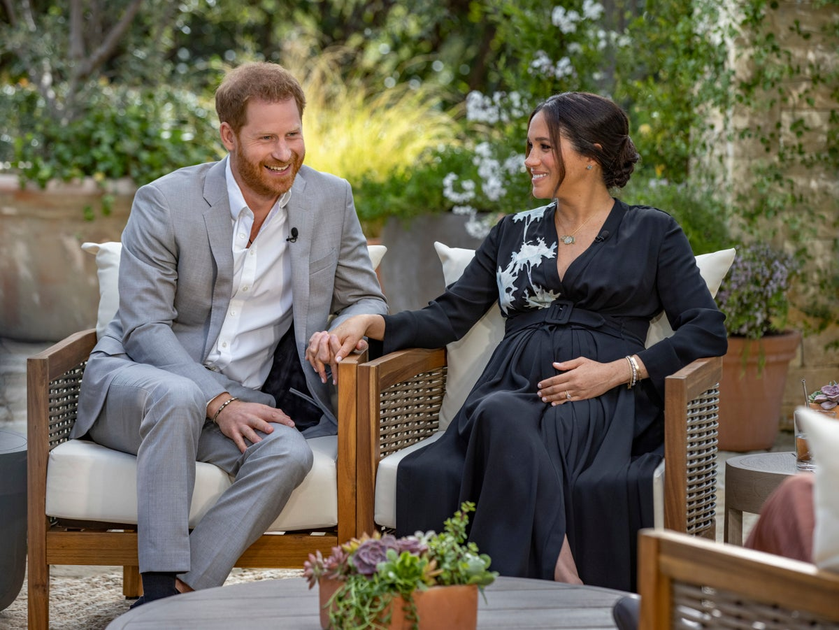 Oprah calls out British tabloid headlines attacking Meghan | The Independent