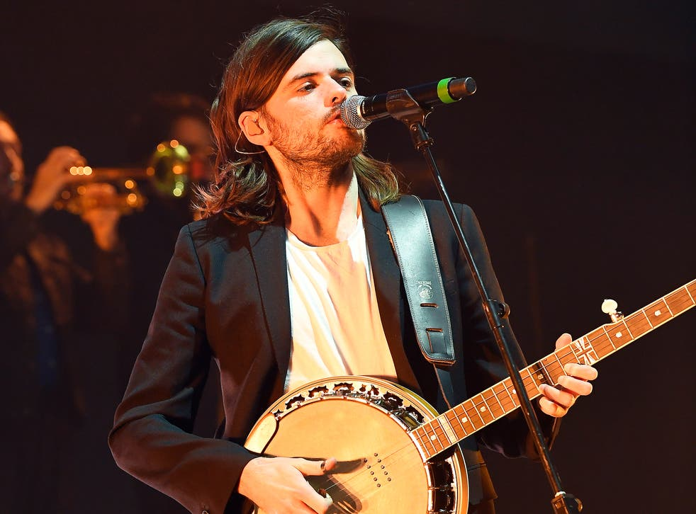 Marshall performing with Mumford & Sons in 2019