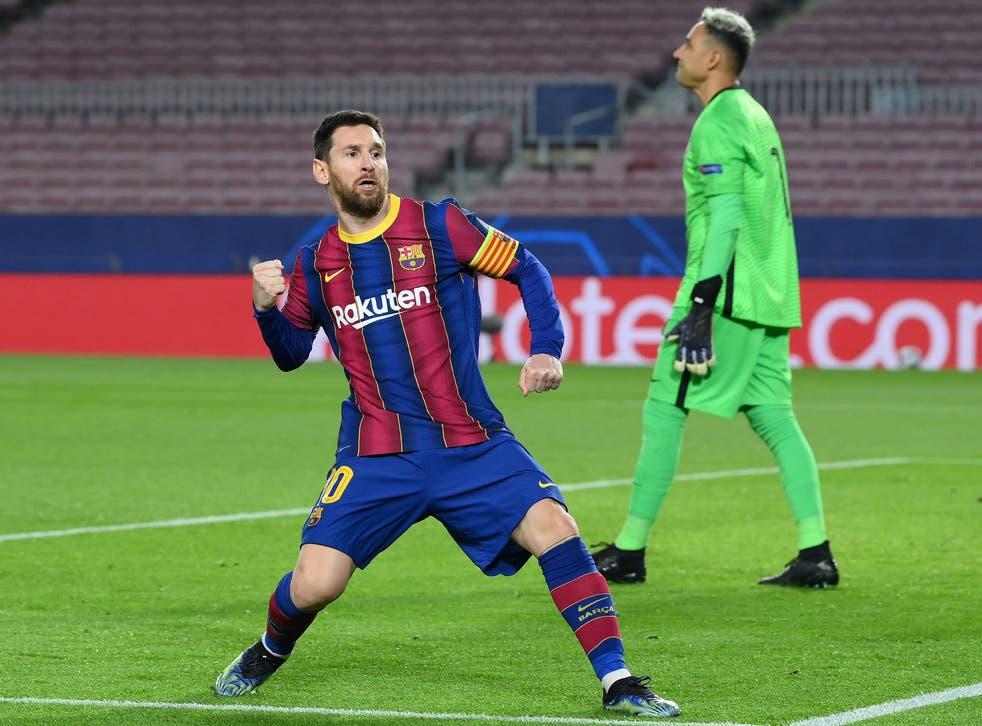 <p>Lionel Messi scores in Barcelona's famous comeback against PSG</p>