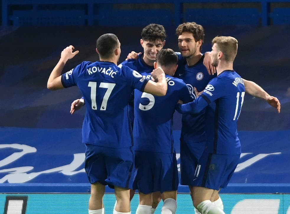 <p>Chelsea celebrate during victory over Everton</p>