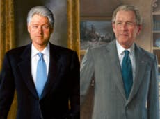 """Biden regresa los retratos de Bill Clinton y George W. Bush que fueron trasladados a una habitación """"pequeña"""" por Trump"""