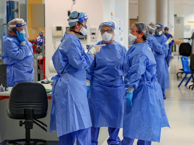 <p>NHS managers want a 'significant' pay rise for staff</p>