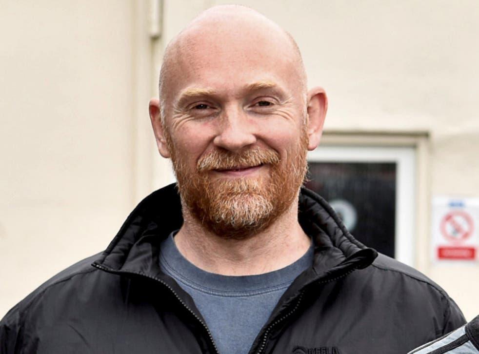وین کونزس ، افسر پلیس متروپولیتن در حال خدمت به دلیل ناپدید شدن سارا اورارد دستگیر شد