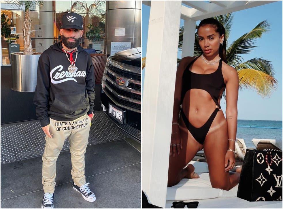 Austin Santos, mejor conocido como Arcángel, dijo que las mujeres que usan su cuerpo para ganar likes no merecen respeto, provocando reacciones de figuras como la brasileña Anitta (derecha).