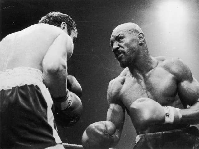 <p>El boxeador estadounidense de peso mediano Marvin Hagler durante su pelea con Alan Minter, que fue detenido en el tercer asalto debido a las lesiones de Minter, el 27 de septiembre de 1980. </p>