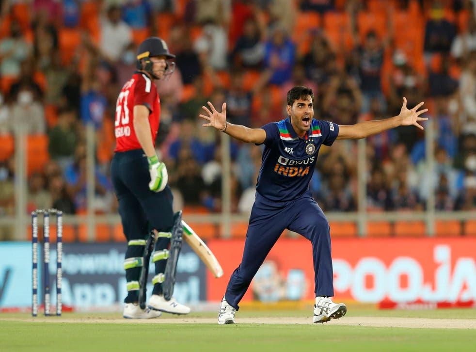 Bhuvneshwar Kumar appeals for the wicket of Jos Buttler