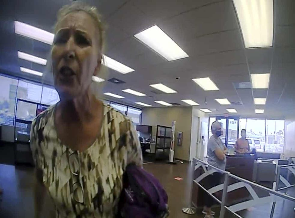 <p>Terry Wright refused to wear mask in a Galveston branch of Bank of America. </p>