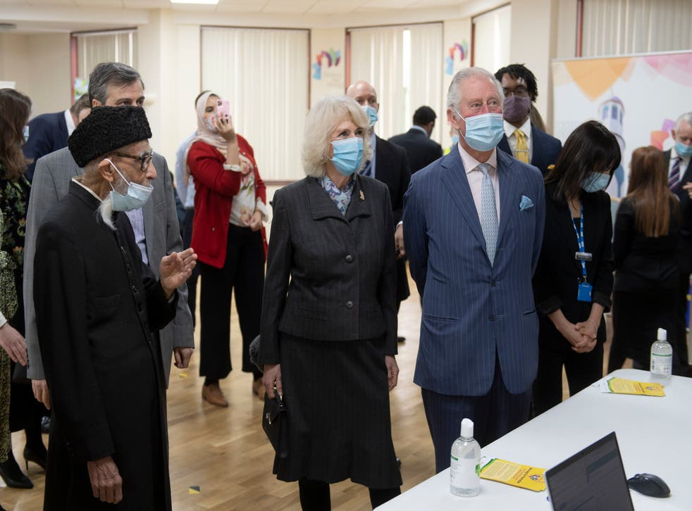 <p>Prince Charles and Camilla, Duchess of Cornwall, visit a vaccination pop-up centre at Finsbury Park Mosque in north London on 16 March</p>
