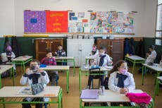 COVID: Uruguay suspende la obligación de ir a las escuelas por incremento de contagios