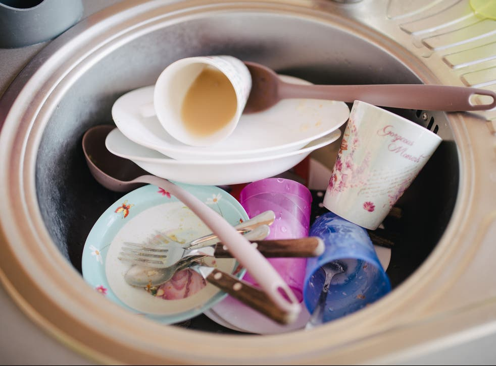 <p>Sick of dirty dishes piling up? Take a leaf out of Miss Potkin's book...</p>