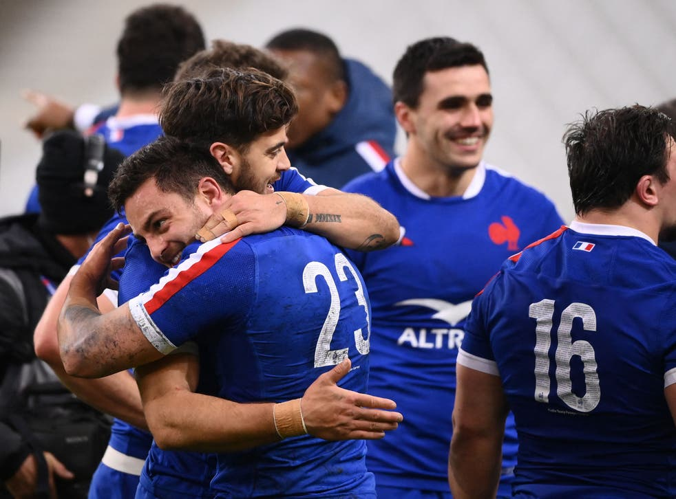 <p>France celebrate their victory</p>