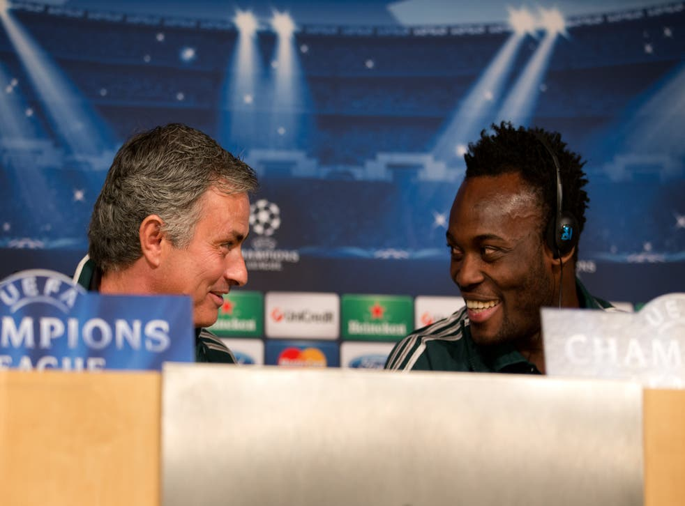 <p>Jose Mourinho and Michael Essien</p>