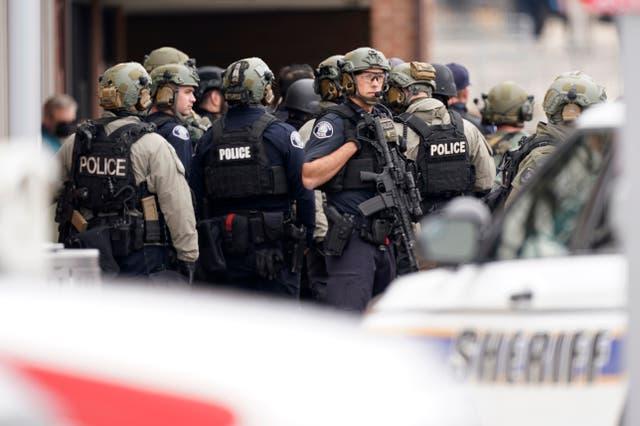 <p>Alrededor de las 3 de la tarde, hora local, la policía de la ciudad universitaria de Boulder informó haber respondido al incidente en el supermercado King Soopers.</p>