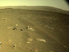 """NASA revela detalles de los planes para probar """"Ingenuity'"""" en Marte, lo que marca el primer vuelo controlado en otro planeta"""
