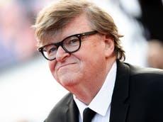 """Michael Moore: Tirador de Boulder muestra que cualquiera puede """"asimilarse a la cultura estadounidense"""""""