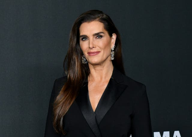 Brooke Shields calls herself a 'fighter' while opening about leg injury
