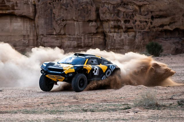 <p>The groundbreaking Odyssey-21 electric SUV takes to the sand</p>