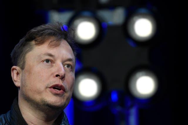 """<p>Musk sugirió que la compañía enviaría """"la cosa más tonta que podamos imaginar"""" en otro vuelo.</p>"""