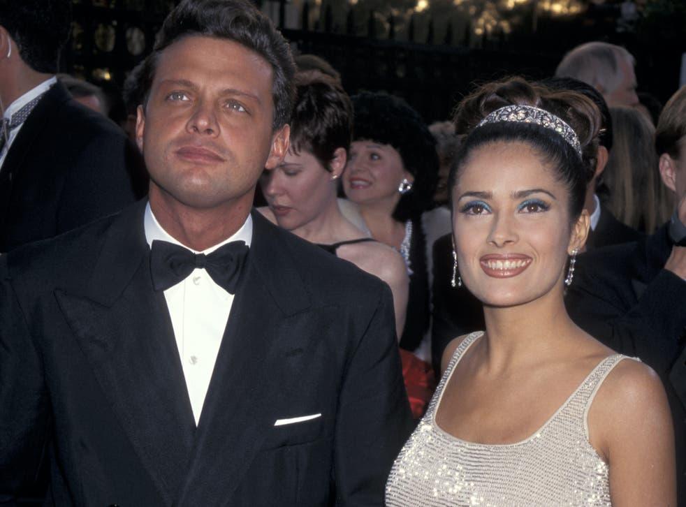 Luis Miguel y Salma Hayek durante la entrega número 69 de los premios Óscar.