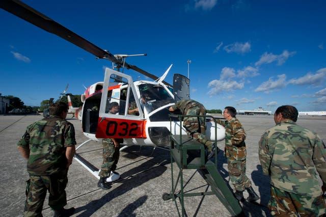<p>El helicóptero llevaba 186 dosis de la vacuna de Pfizer a las ciudades de Rocha y Chuy  </p>