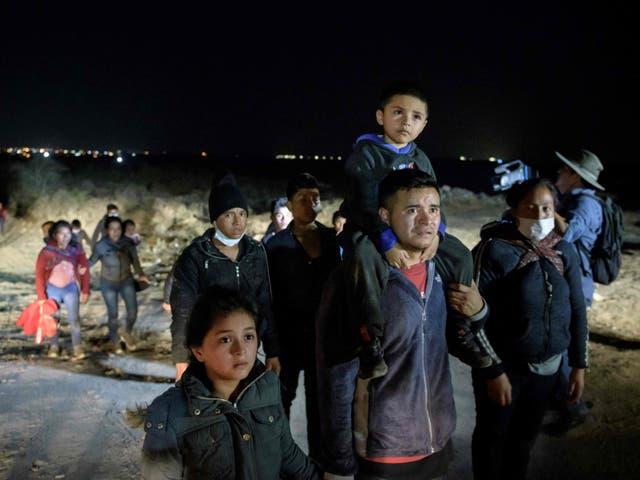 <p>En marzo, 172.000 personas fueron detenidas por la Oficina de Aduanas y Protección Fronteriza</p>