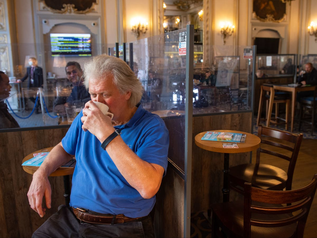 Wetherspoon to create 2,000 jobs – if no more lockdowns introduced