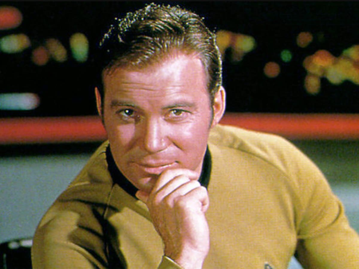 william shatner trek actor to fly to space on blue