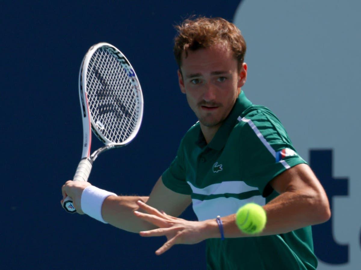 Daniil Medvedev overcomes cramps to reach fourth round of Miami Open