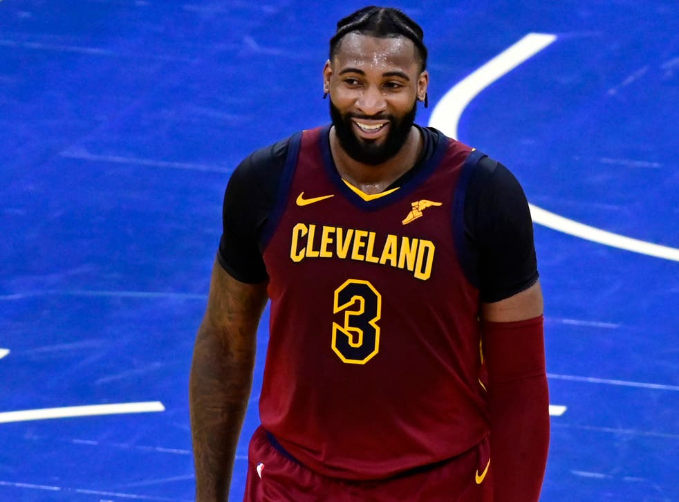 <p>The centre is set to join LeBron James and Co</p>