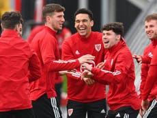 Gales denuncia racismo contra sus jugadores tras victoria sobre México