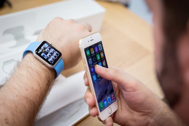 <p>Apple Watch ya está disponible en siete países más (Italia, México, Singapur, Corea del Sur, España, Suiza y Taiwán) el 26 de junio de 2015 en Madrid, España. </p>