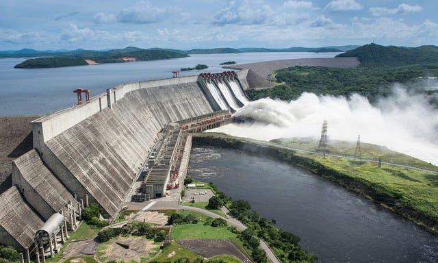 La Central Hidroeléctrica Simón Bolívar, conocida como la Represa de Guri, es una de las hidroeléctricas más grande del mundo gracias a sus 10.000 MW de capacidad total instalada.