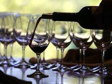 Beber seis vasos de vino a la semana podría ser bueno para la vista, según un estudio