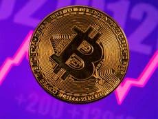 """Precio de Bitcoin se acerca a un nuevo récord mientras los analistas predicen un """"aumento permanente"""" en 2021"""