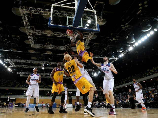Ladarius Tabb of London Lions dunks against London City Royals in a BBL game