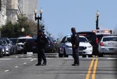 Disparos afuera del Capitolio de Estados Unidos; automóvil embistió a dos policías
