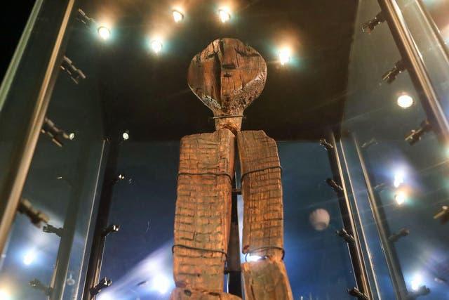 <p>The Shigir Idol on display at the Sverdlovsk Regional Museum of Local Lore</p>