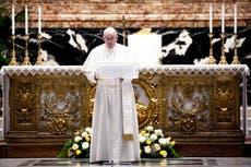 """El Papa condena las guerras durante la pandemia como """"escandalosas"""" en su discurso de Pascua"""