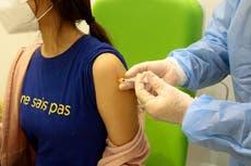 """""""Vínculo"""" entre la vacuna AstraZeneca y los coágulos de sangre, dice un funcionario de la EMA"""
