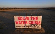 California enfrenta otra sequía y peores incendios forestales después de una temporada de lluvias inusualmente seca, advierten las autoridades