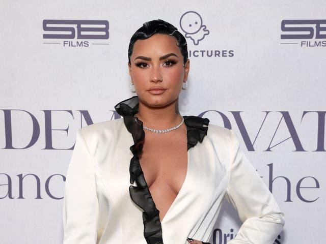 """<p>Demi Lovato asiste al evento de estreno de OBB para Docuseries de YouTube Originals """"Demi Lovato: Bailando con el diablo"""" en el Beverly Hilton el 22 de marzo de 2021 en Beverly Hills, California. </p>"""