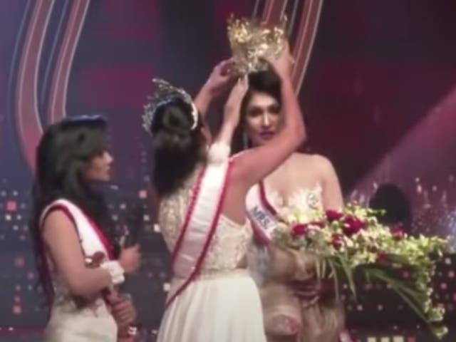 <p>The video shows 2020 Mrs Sri Lanka winner snatching the crown away from this year's winner and giving it to the second runner-up</p>