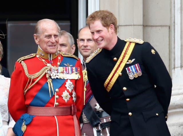<p>La relación entre el príncipe Harry y su abuelo fue una que creció con el tiempo.</p>